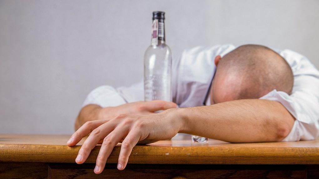 Омич приторговывал алкоголем и убил семерых человек
