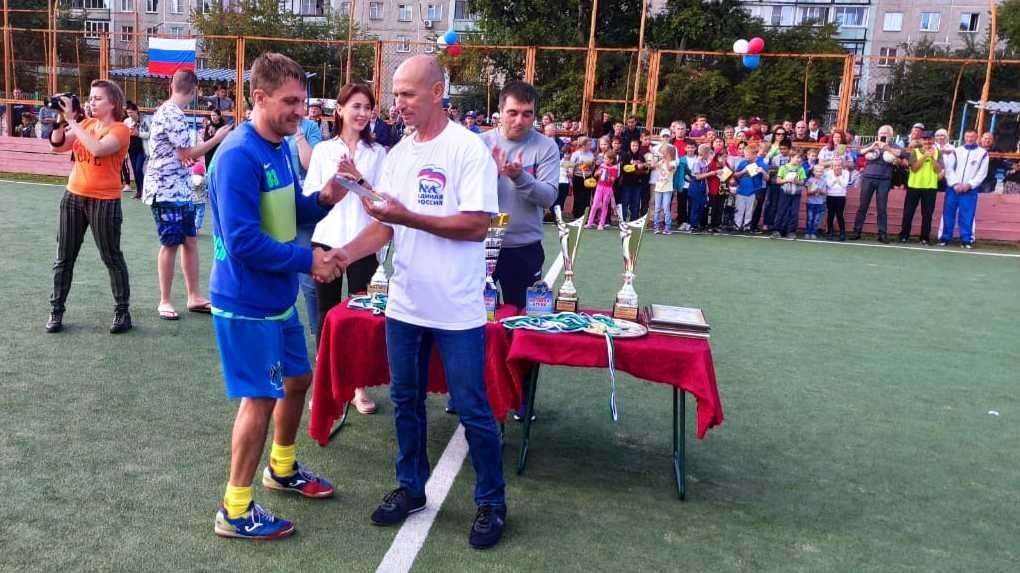 Экс-капитан сборной России по футболу Алексей Смертин сразился с новосибирскими спортсменами