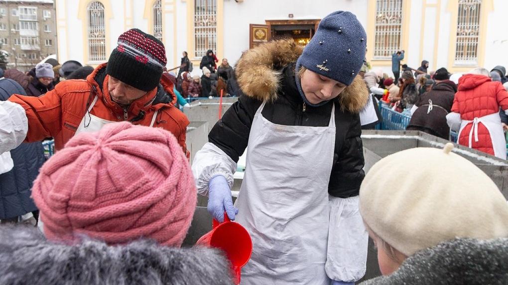 В Новосибирской митрополии рассказали, когда в храмах начнут разливать святую воду