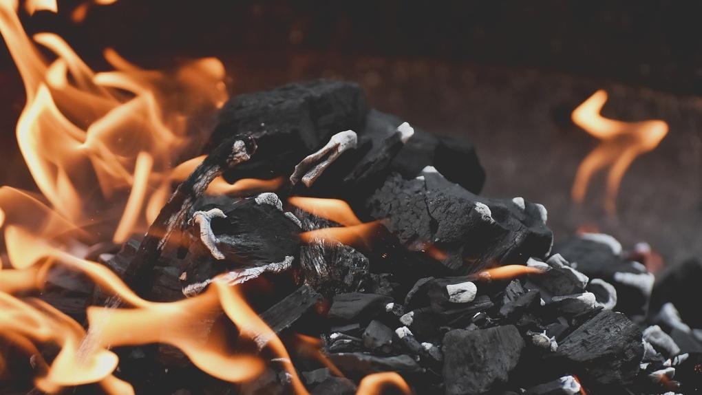 Больше 50 пожаров за сутки. Омичи спалили 18 гектаров