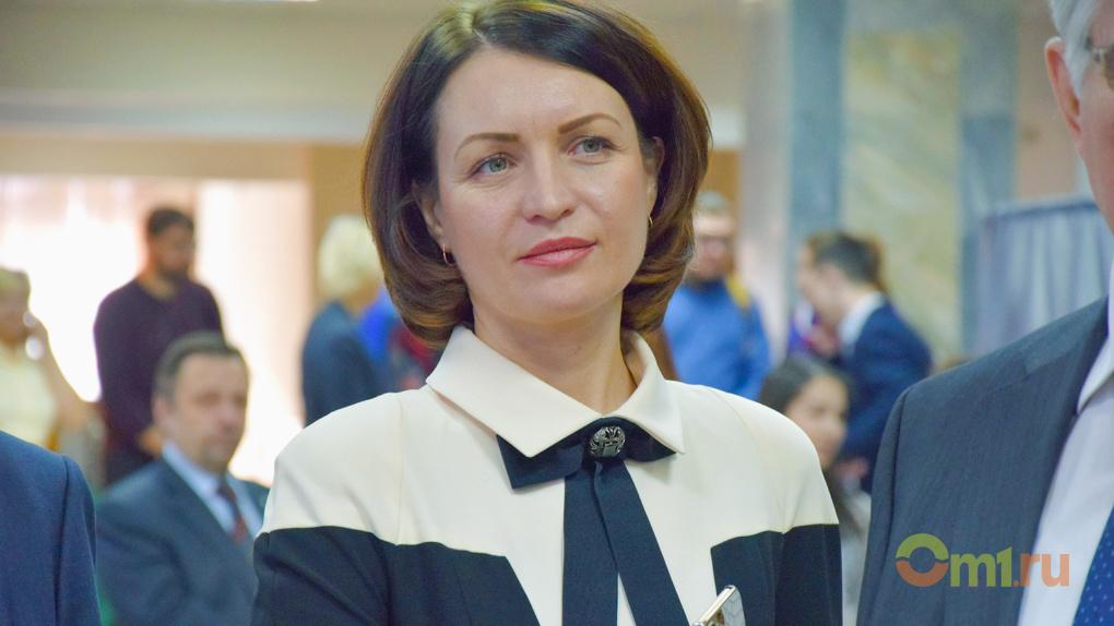 Мэр Омска Фадина заработала на 64 000 рублей меньше, чем в должности министра экономики