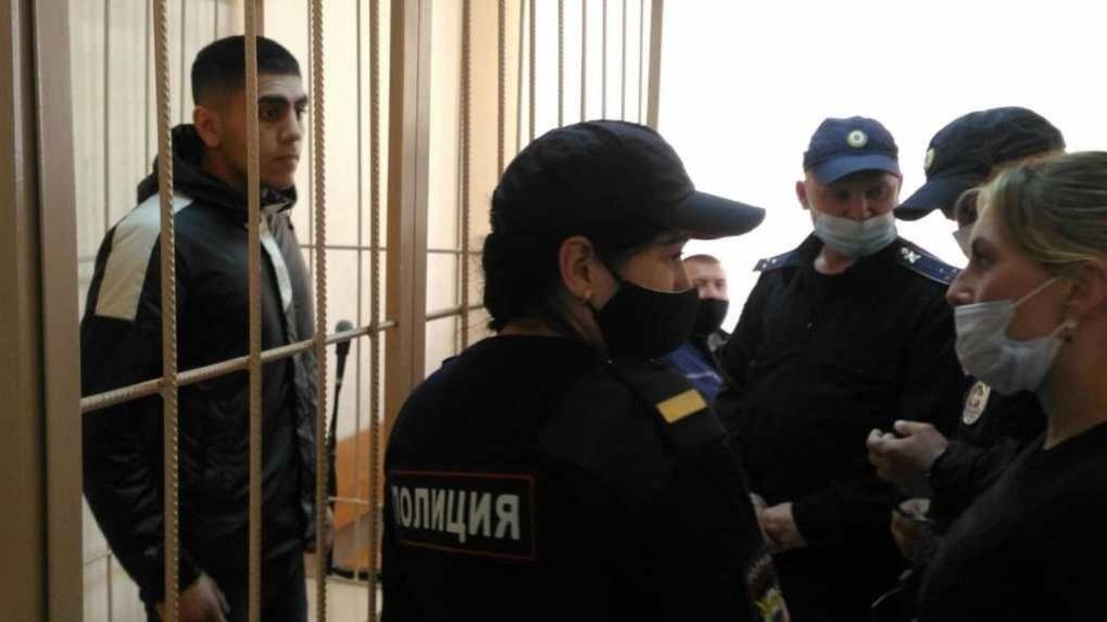 Избиение и вымогательство: всплыли факты криминального прошлого арестованных друзей Векила Абдуллаева