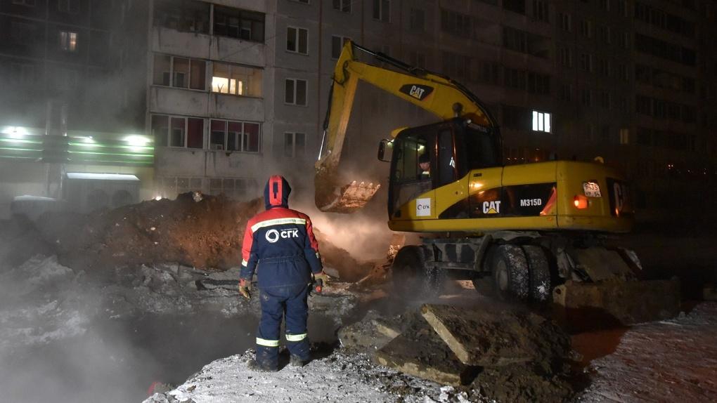 В Новосибирске продолжаются работы по восстановлению теплоснабжения в Кировском районе