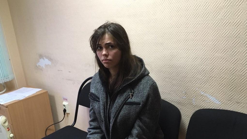 В лесу у трассы «Омск – Тюмень» нашли обугленное тело младенца, которого убила няня. ВИДЕО