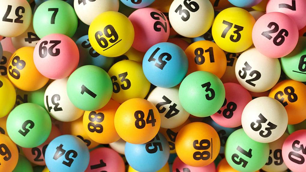 Сорвал куш: новосибирец выиграл в лотерею 10 миллионов рублей