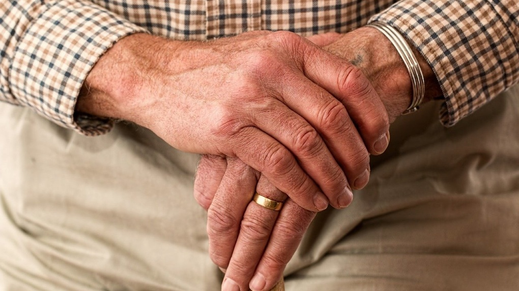 ВТБ полностью перевел пенсионерам социальные выплаты от государства