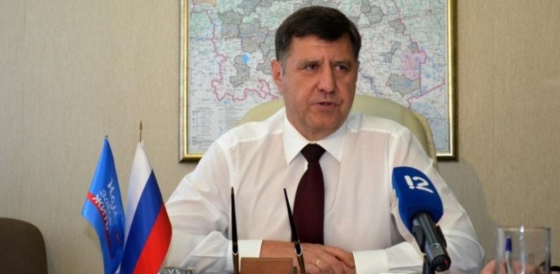 Депутат Голушко прочитал Назарову и Жукову лекцию о вреде смешивания напитков (ФОТО)