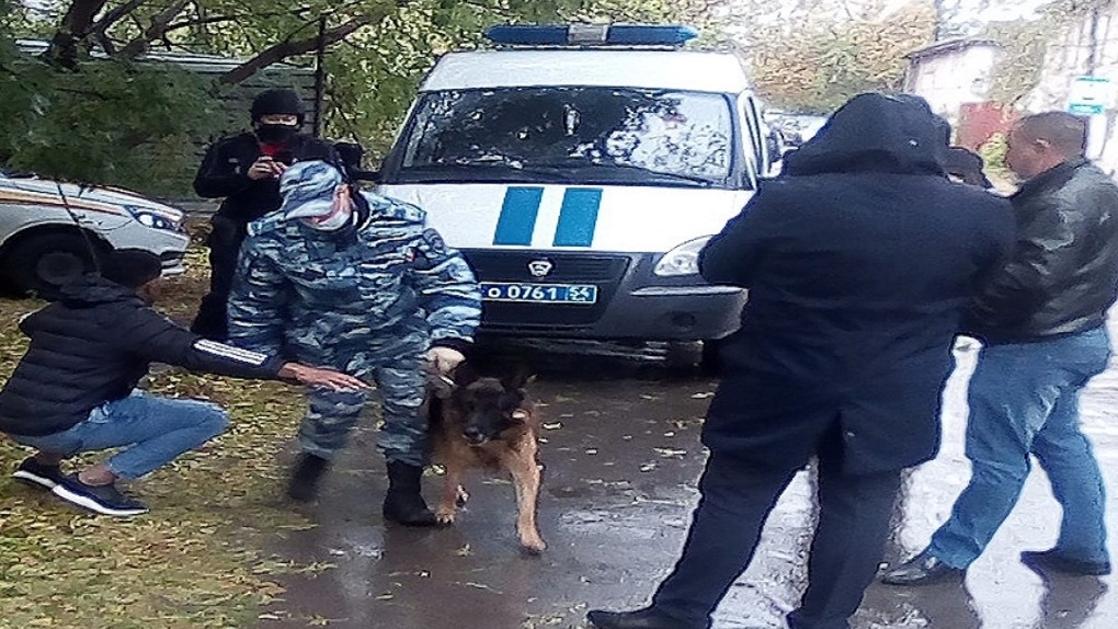 В Новосибирске кубинец всполошил бойцов ГБР и полицию бомбой в кармане