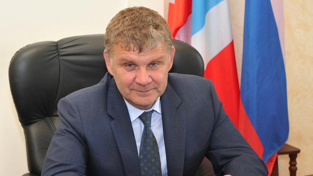 Все «старенькие» замы омского губернатора стали получать меньше