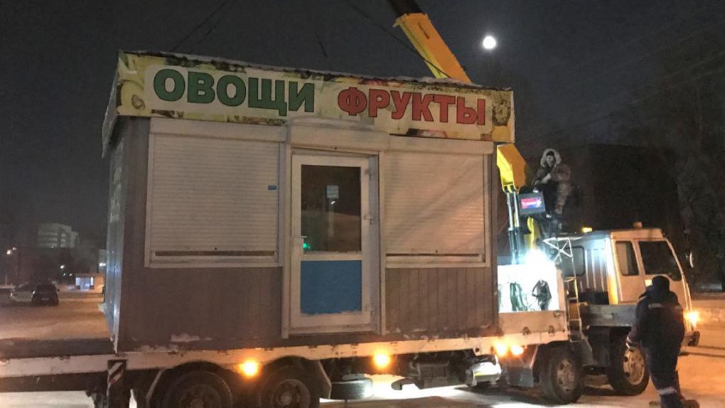 Ещё два омских киоска признали незаконными постройками