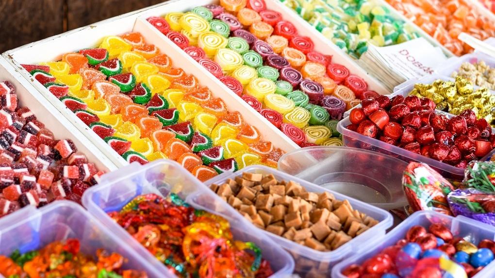 Омская мэрия потратит более 4 миллионов на закупку конфет