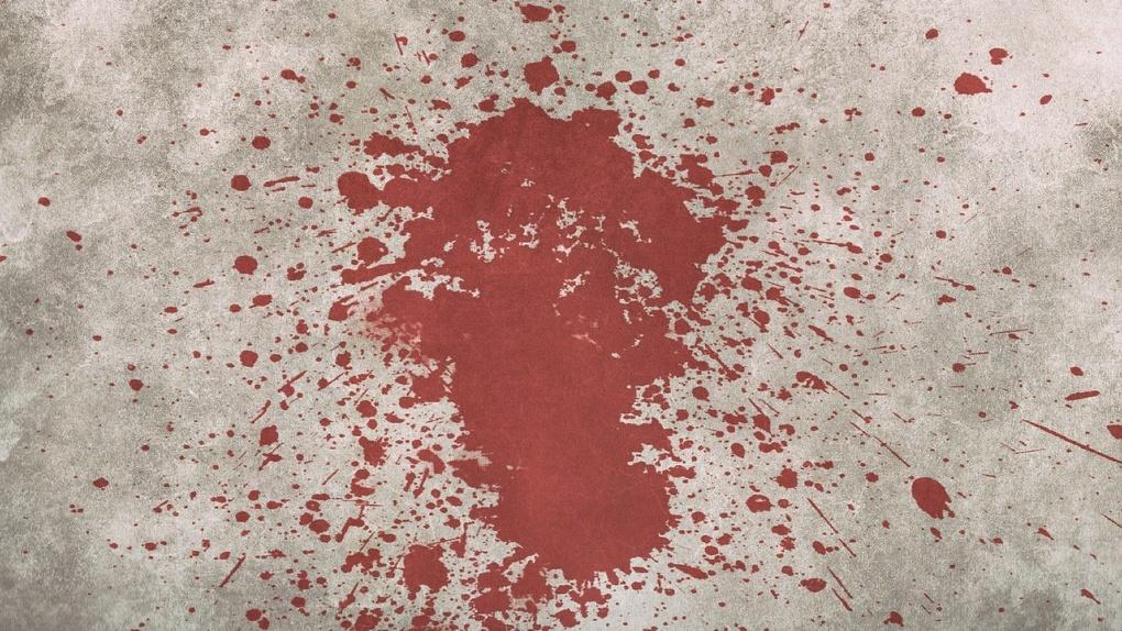 Раненую лаборантку обнаружили под окнами новосибирской больницы: женщина скончалась