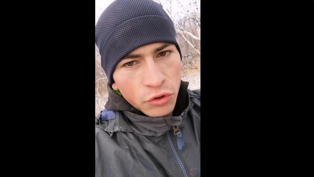 На жалобы омского «тиктокера с берёзы» отреагировали шоумены Иван Ургант и Илья Соболев