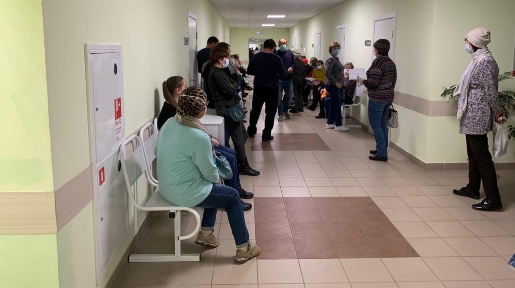 Более полутора тысяч жителей Новосибирской области вылечились от COVID-19 в ноябре