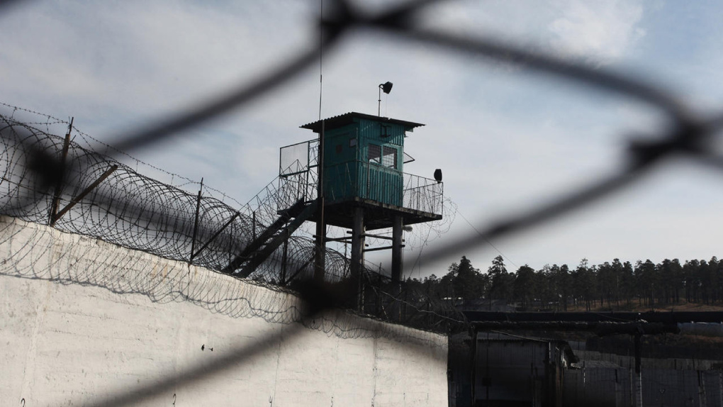Опубликовано видео издевательств над заключенными в омской ИК №7