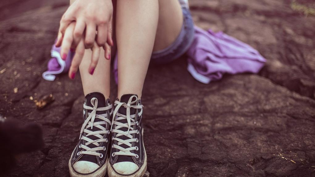 Мама омской школьницы заявила об изнасиловании дочери