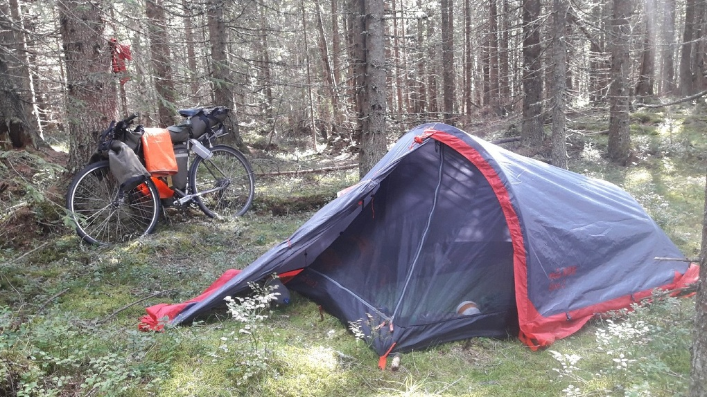 Омич добрался до Исландии на велосипеде за два месяца