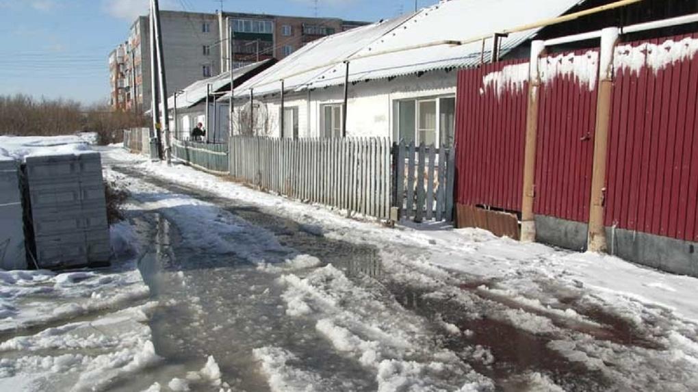 Частному сектору Новосибирска грозит затопление талыми водами