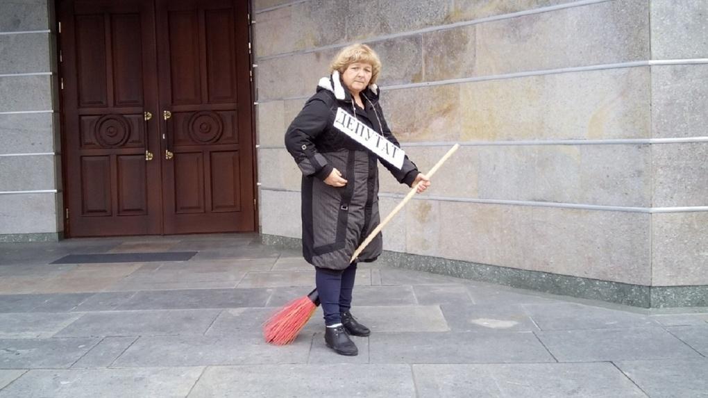 Несостоявшийся кандидат в омские губернаторы Дроздова объявила «предупредительную» голодовку