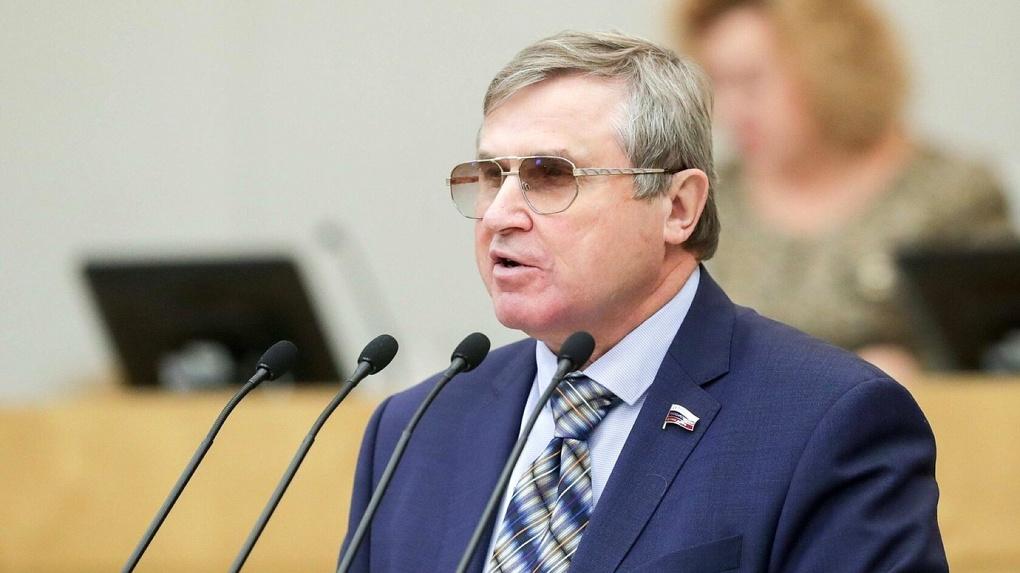 Депутат Госдумы Олег Смолин попросил дополнительную помощь для омского здравоохранения