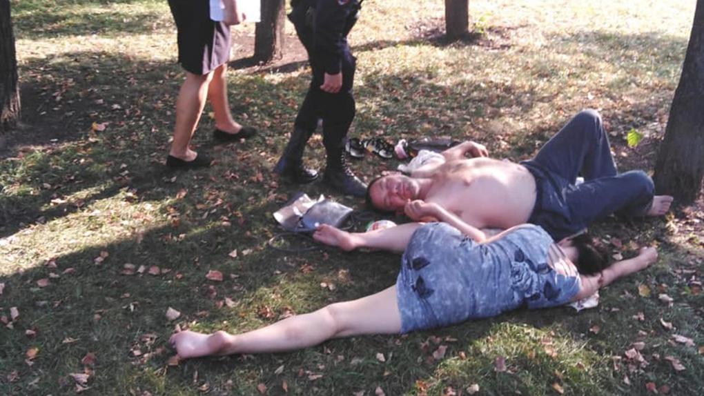 «Давайте оставаться людьми!» Вице-мэра Новосибирска возмутили спящие на набережной пьяные горожане