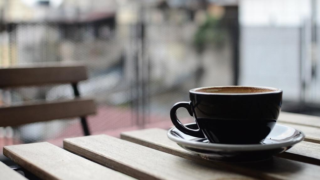«Перекос произошёл»: Ушаков высказался о нежелании Роспотребнадзора открывать кафе на воздухе