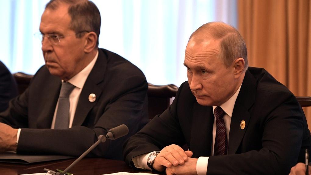 Россия отправила в Сербию вертолеты с гуманитарной помощью