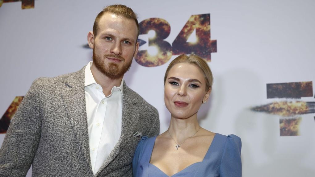 Названа новая дата развода певицы из Новосибирска Пелагеи и хоккеиста Телегина