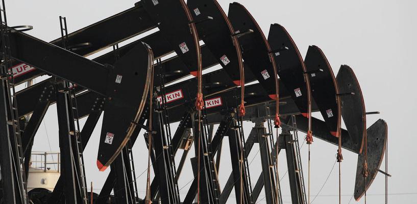 Стоимость нефти поднялась выше 51 доллара впервые с прошлого года. Рубль растет