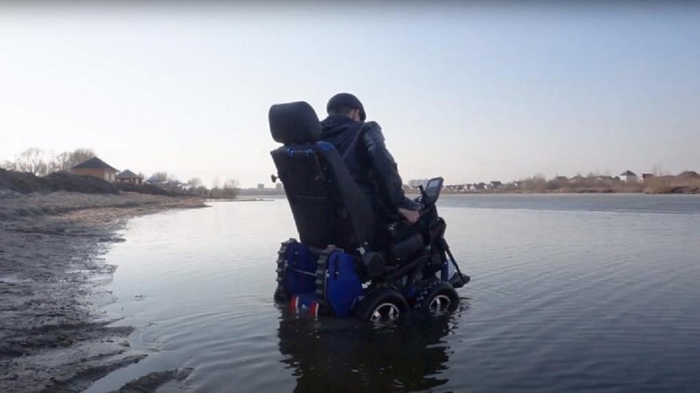 Новосибирец изобрел первую в мире инвалидную коляску — ступенькоход