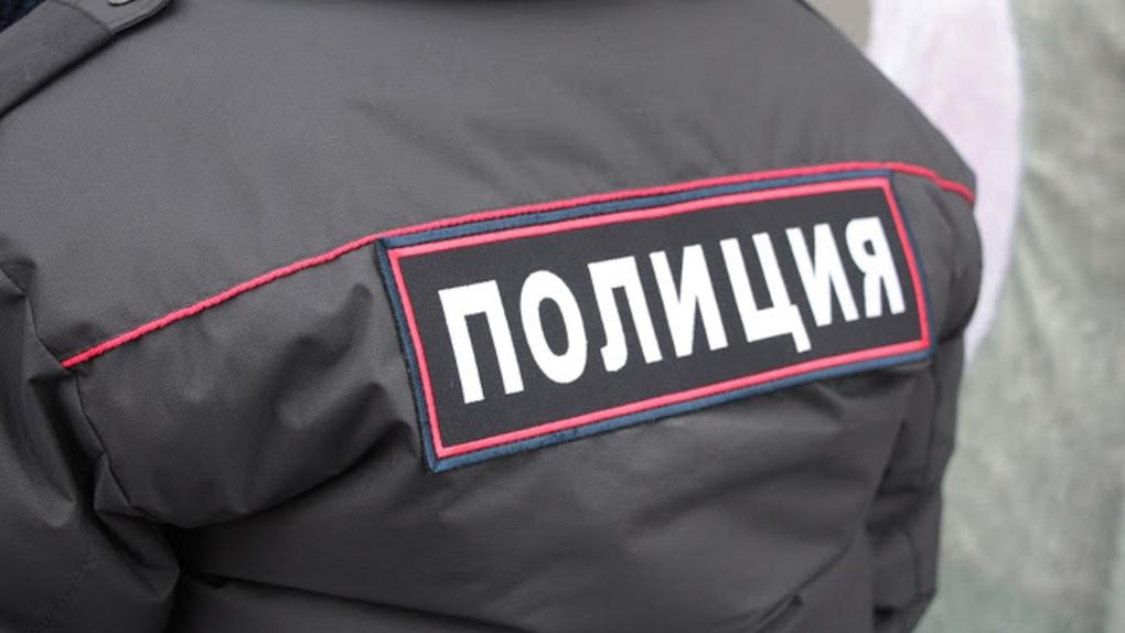 «Мужики общаются»: якутских вахтовиков на обсервации в Омске разнимали полицейские