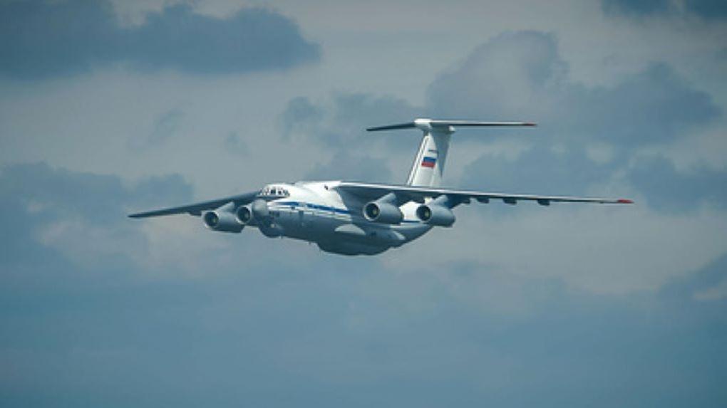 Военный самолёт Белоруссии заметили в небе под Новосибирском