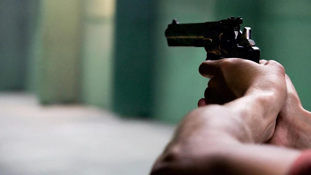 В Омске соседи устроили драку со стрельбой из-за общего тротуара