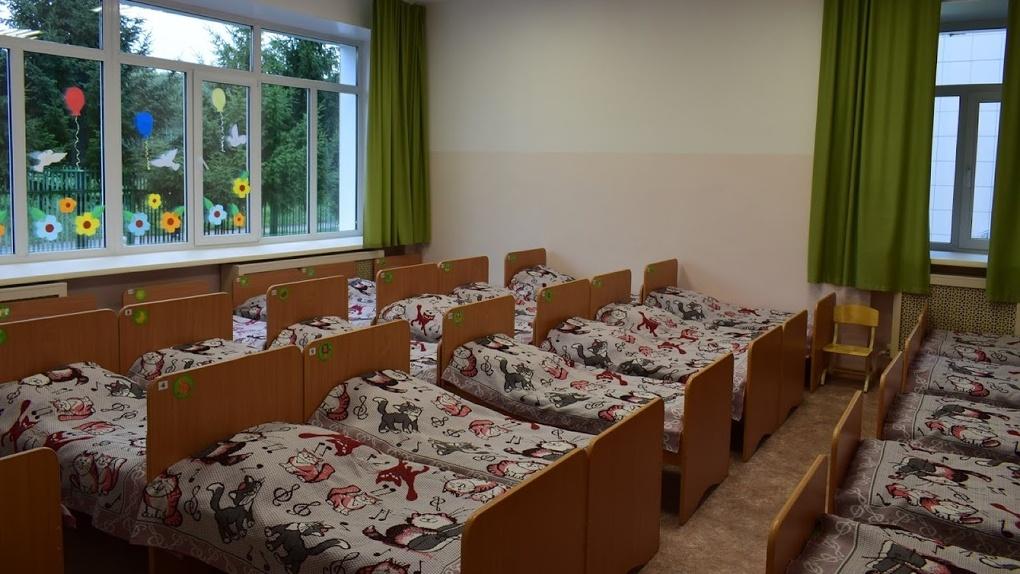 Крупные предприятия Омска просят власти решить проблему с детскими садами