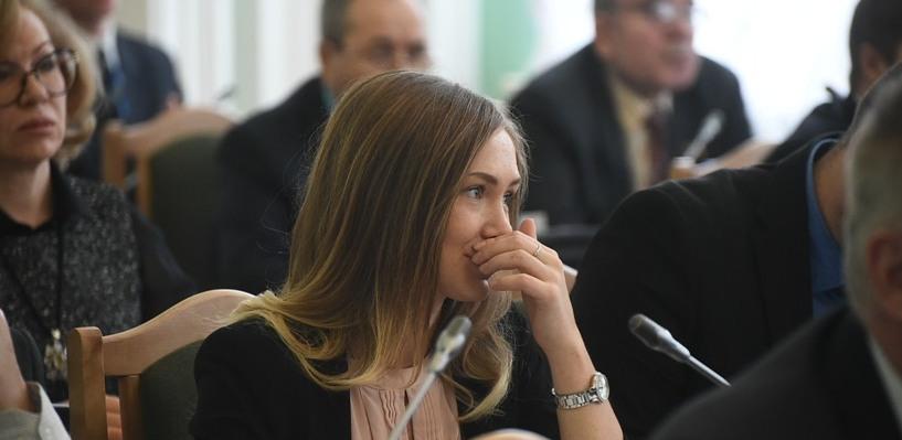 Танцовщица Маленьких, ставшая депутатом омского Горсовета, дала свое первое интервью СМИ