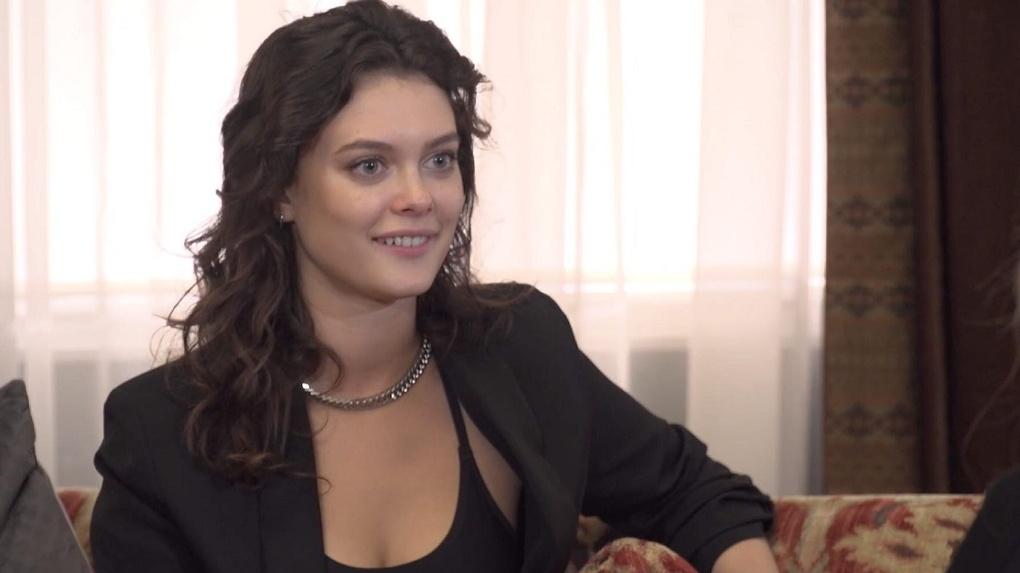 Сибирячка призналась в любви главному герою шоу «Холостяк» в эфире канала ТНТ
