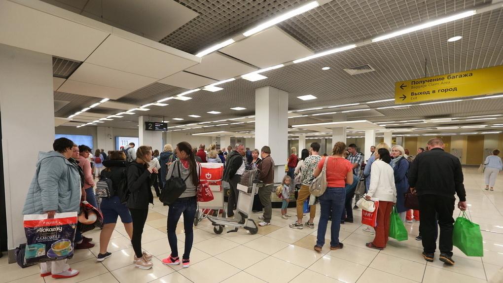 Россиянам запретят ходить по эскалаторам и вонять в аэропортах