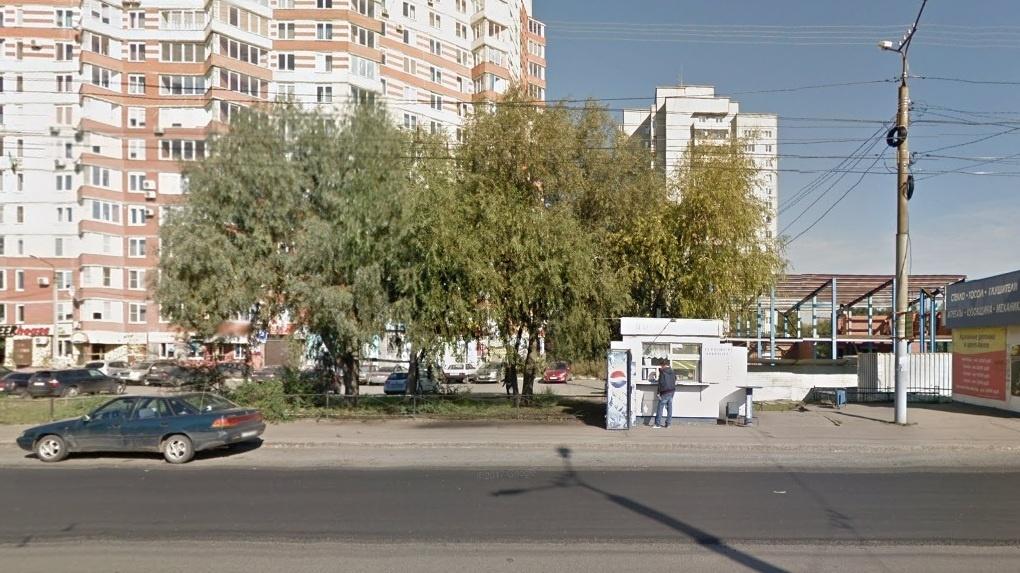 В Омске киоску на Дианова пришлось покинуть свое место