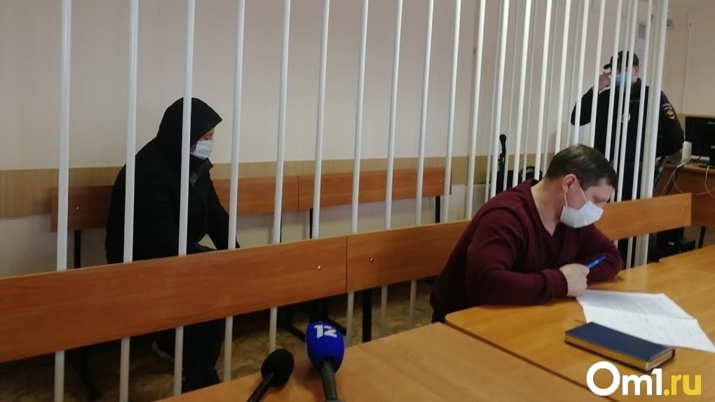 Омича, который швырял своих детей на пол и пинал ногами, хотят лишить родительских прав