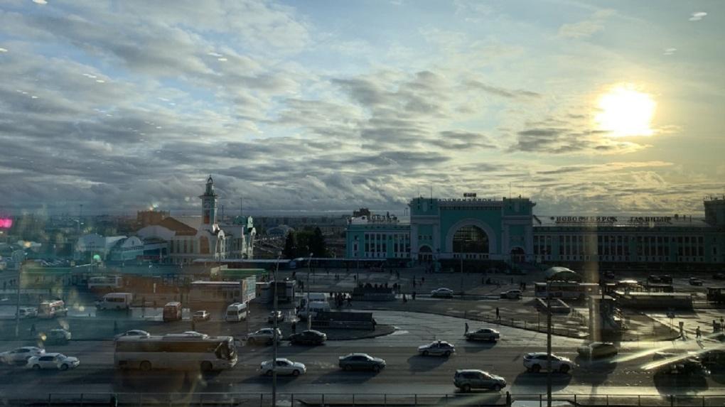 Для безопасности пешеходов: власти Новосибирска объяснили запрет проезда к автостанции у ж/д вокзала