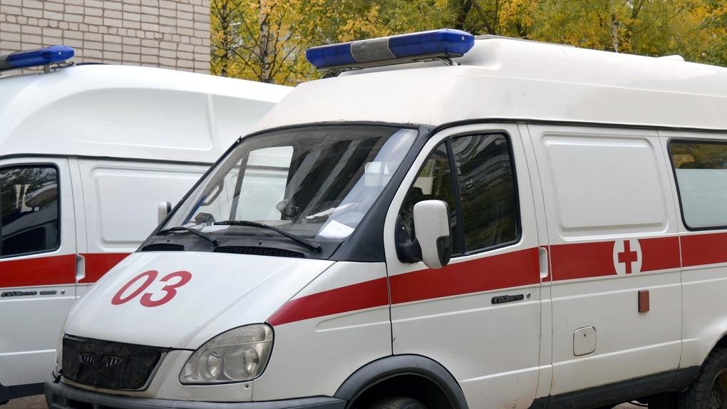 В Новосибирске при столкновении двух иномарок серьёзно пострадал один из водителей и трое пассажиров