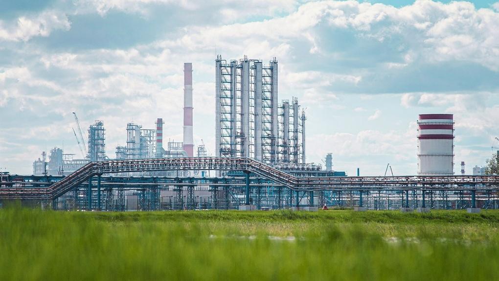 У Омского НПЗ юбилей – 65 лет. За это время завод стал крупнейшим промышленным предприятием России