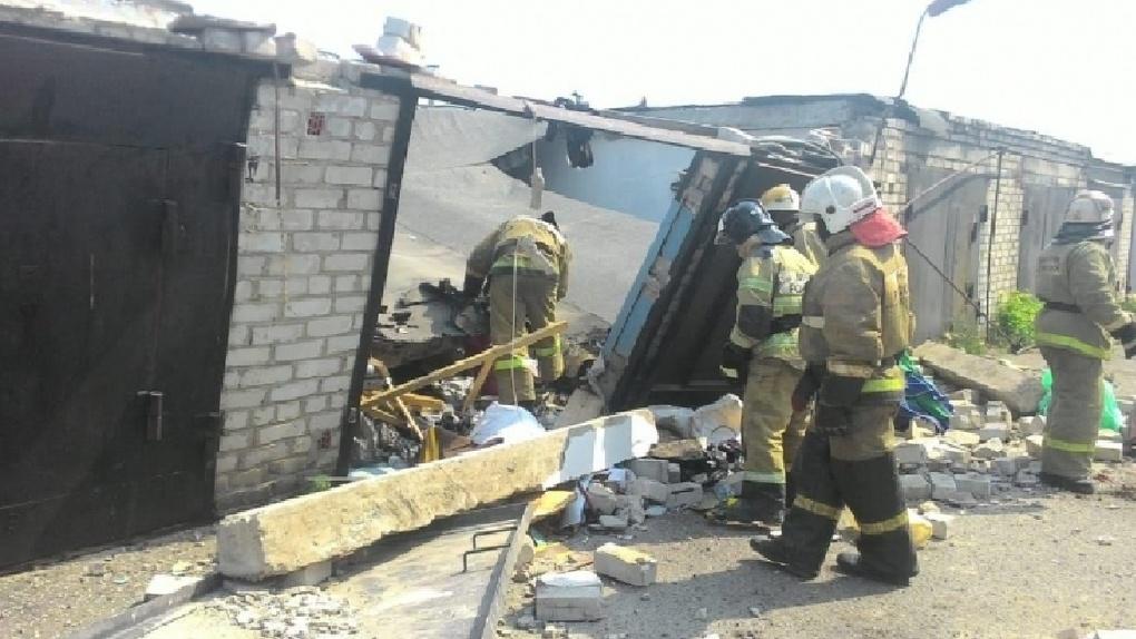 В Омске взорвались три гаража