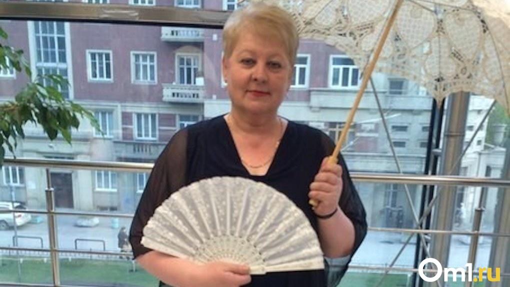 Увезли в тяжёлом состоянии: в Новосибирской области специалист управления образования умерла от COVID-19