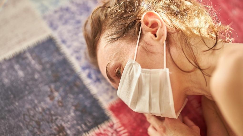 Маска VS Жара. Как защититься от коронавируса в омские +30