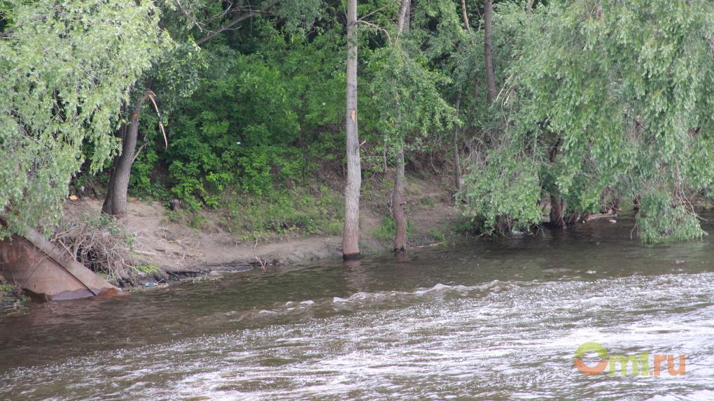 В Черлаке на Иртыше утонул 23-летний омич