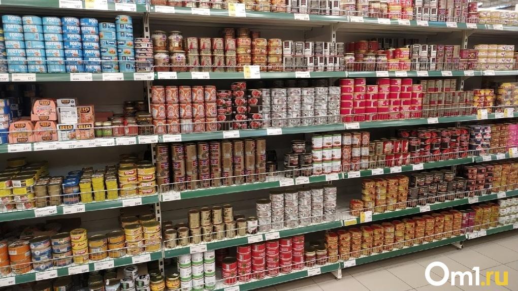 Колбаса, тушенка и ящик мороженого: омичи массово воруют продукты из магазинов