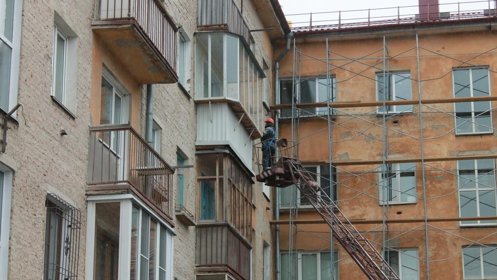 Фасады к приезду Путина ремонтирует «Омскэлектро»