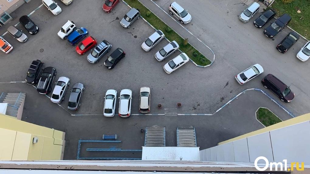 Омич угонял автомобили при помощи маникюрных ножниц