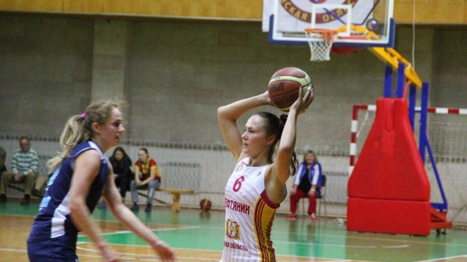 Омские баскетболистки разгромили ставропольских гостей с разницей «+21»